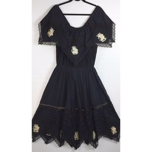 Vintage Mexican Oaxacan embroidered floral dress